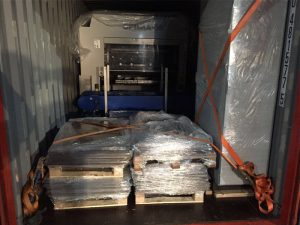 Safe container loading and unloading with Emcon Services